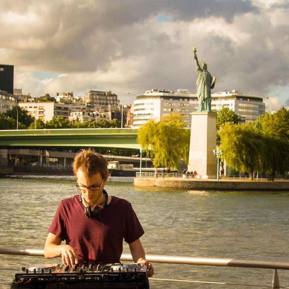 DJ sur la seine