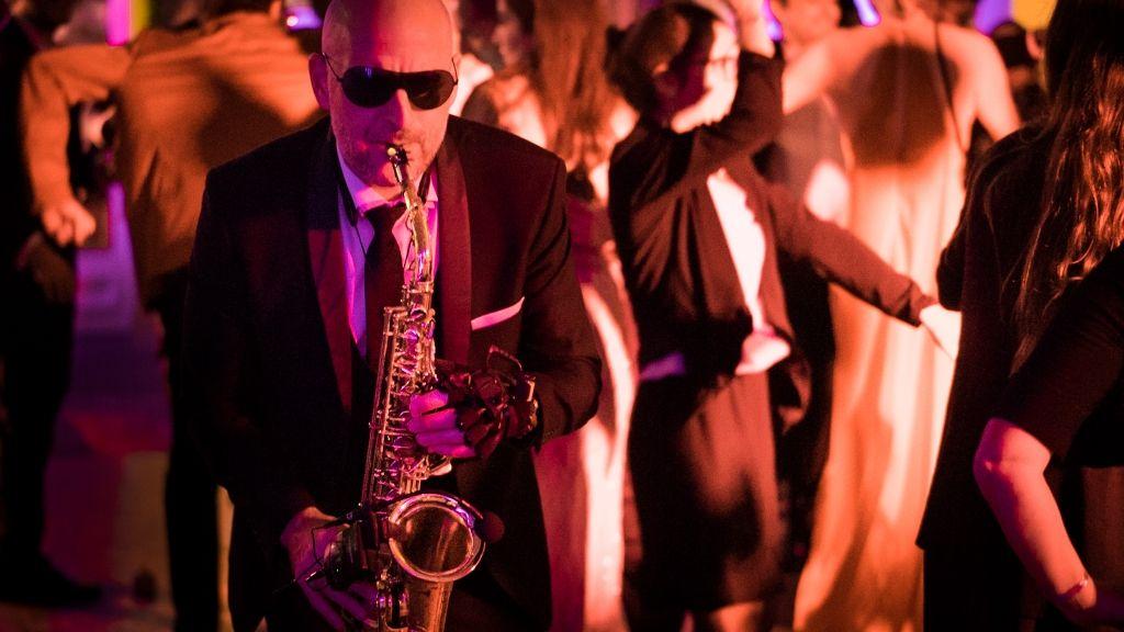 Saxo dans une soirée parisienne