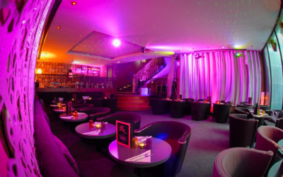 Un bar lounge